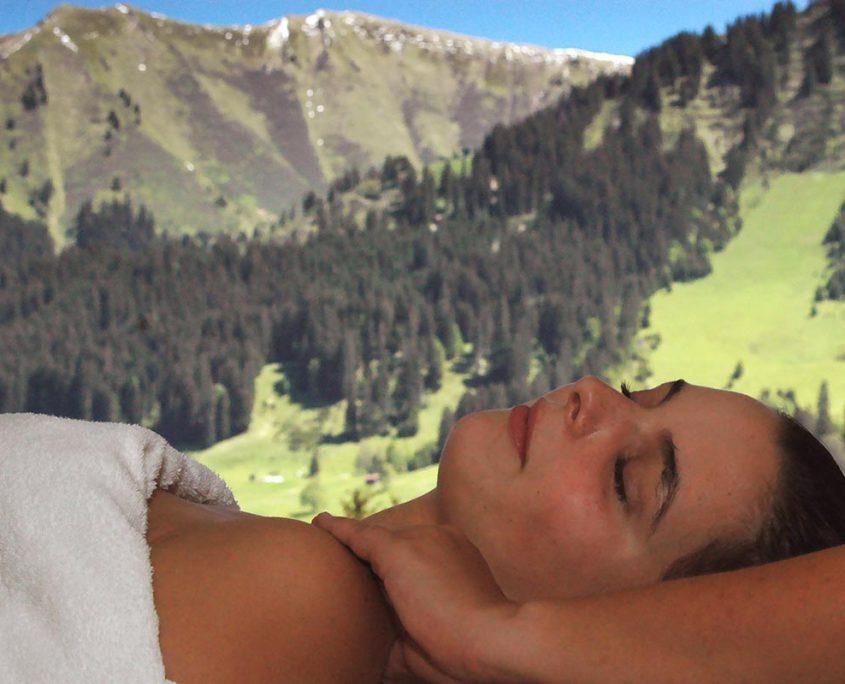 Massagezeit mit Spezialöl