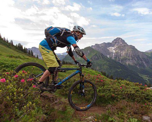 Mountainbike-Abfahrt im Kleinwalsertal