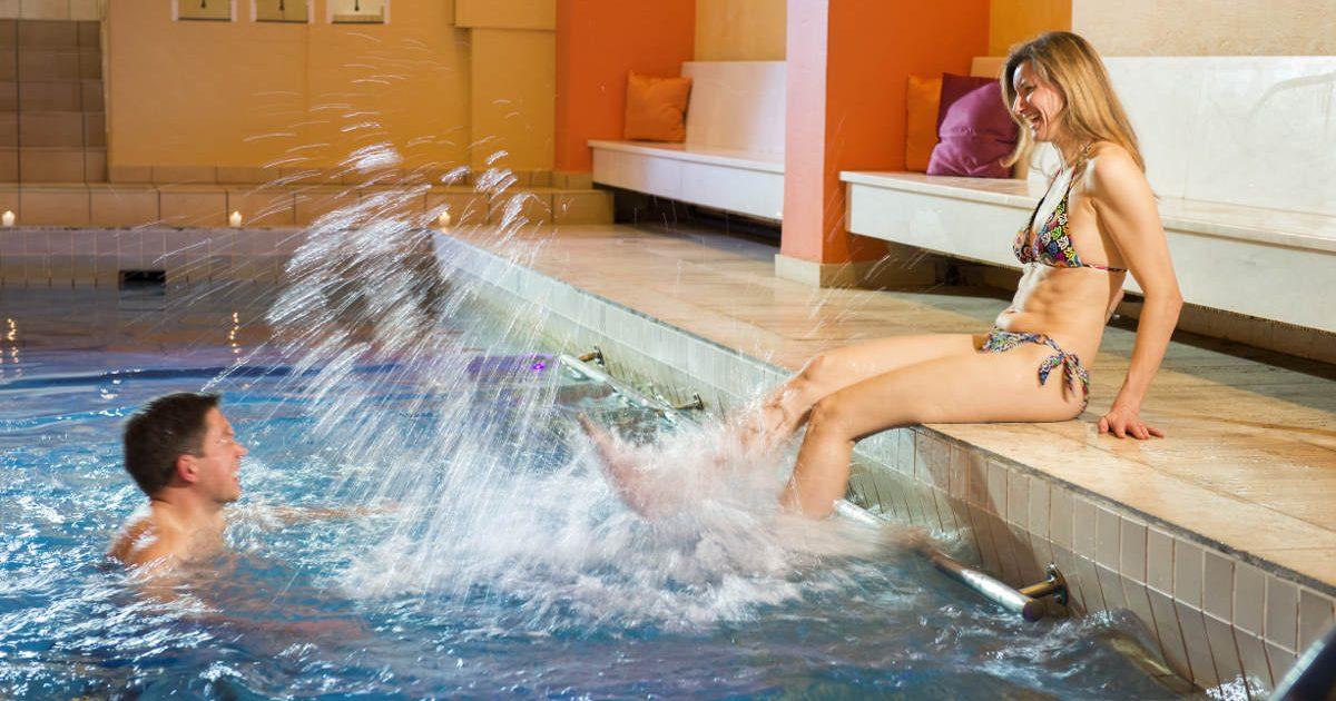 Hallenbad gefüllt mit Granderwasser