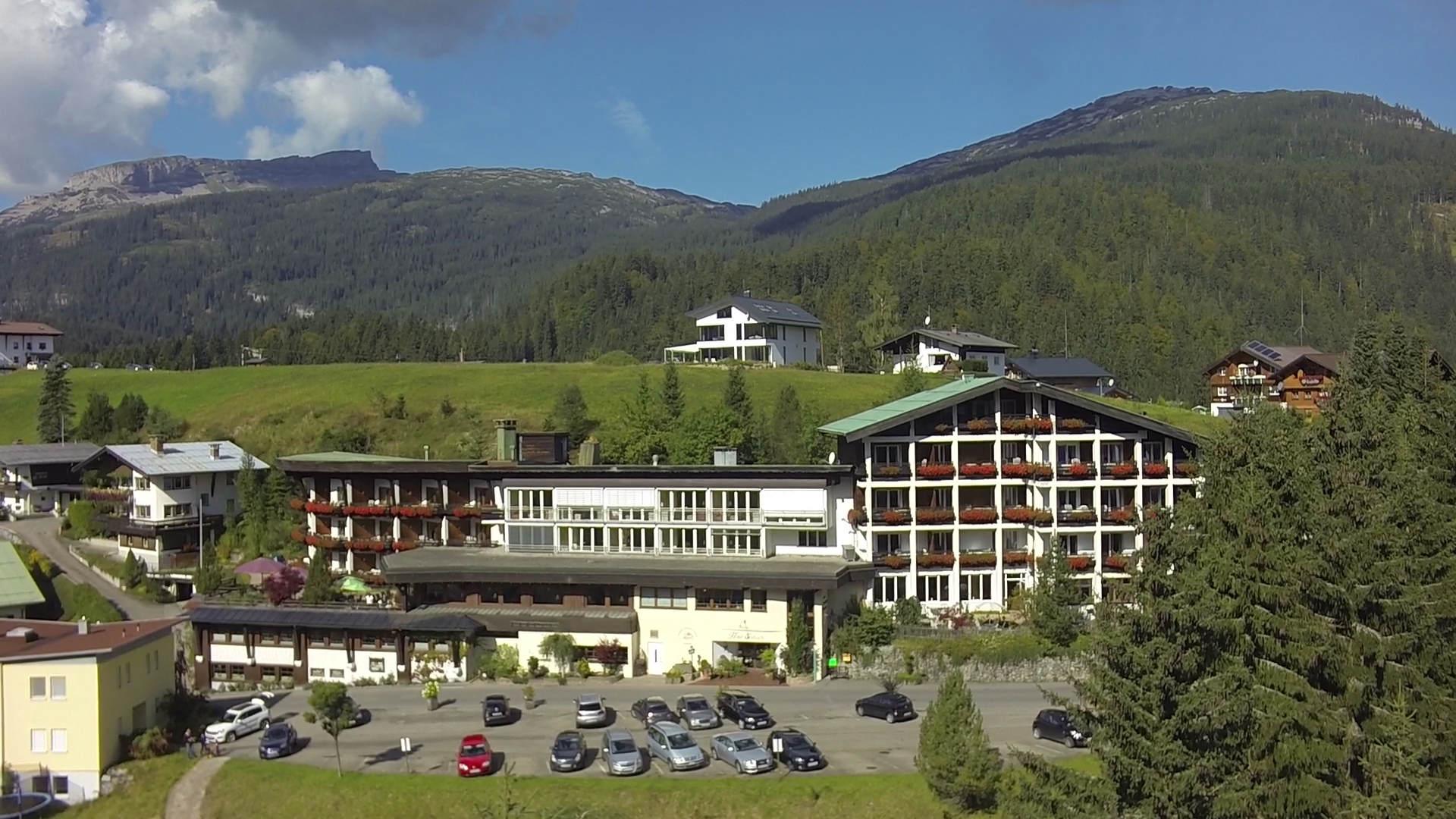 Hotel Erlebach Kleinwalsertal Sommer