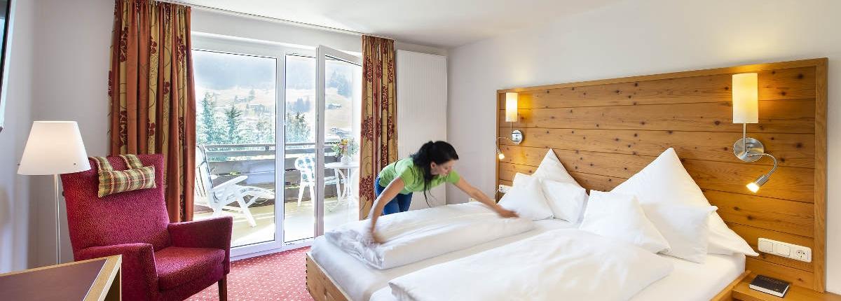 Doppelzimmer Alpinstyle 21 qm Hotel Erlebach Kleinwalsretal