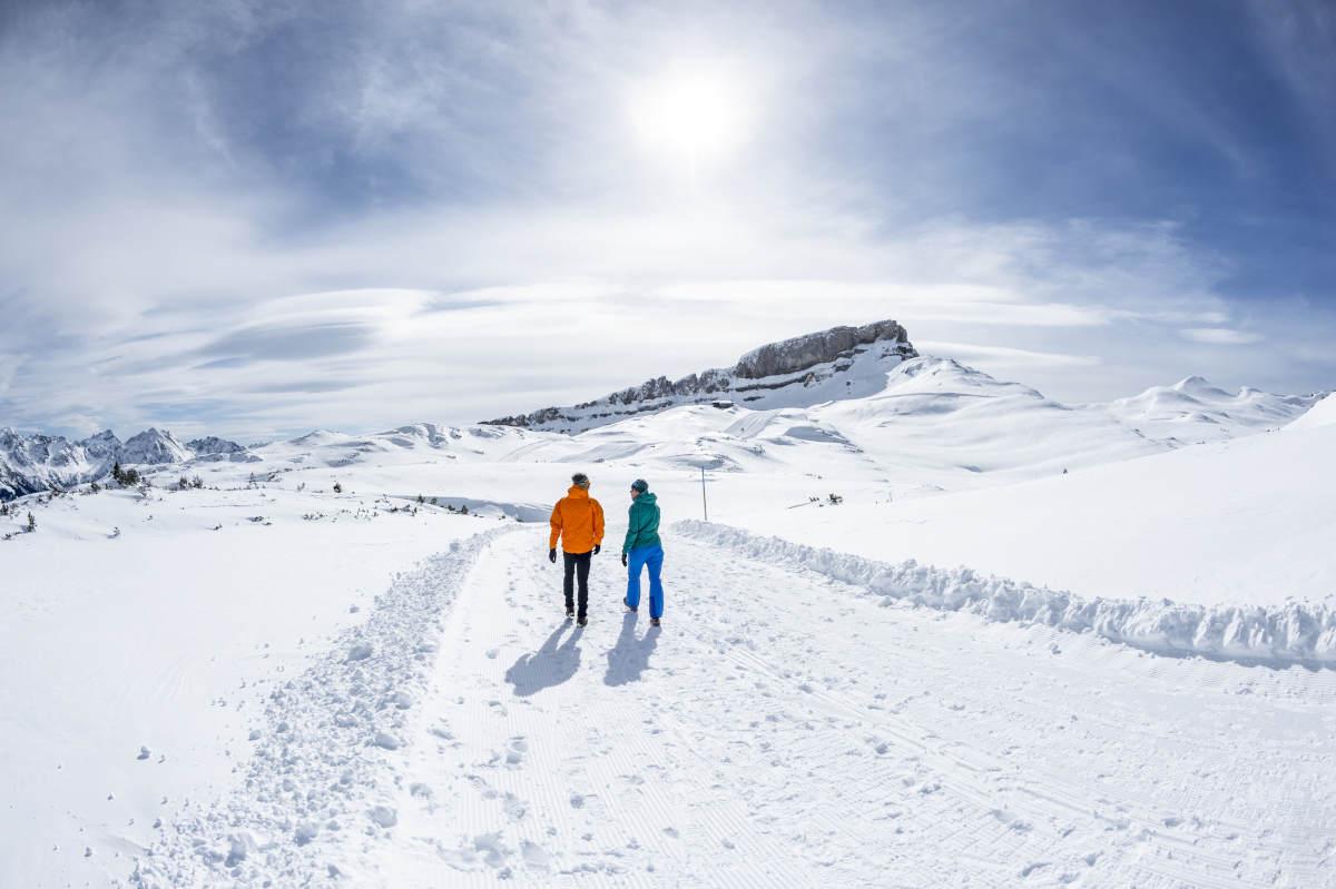 Winterwandern-Ifen-Gottesacker-Rundweg-_Dominik-Berchtold.jpg-c-Dominik-Berchtold-Kleinwalsertal-Tourismus-eGen-_-Fotograf_-Dominik-Berchtol